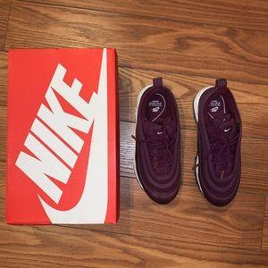 Nike Air Max 97 in Bordeaux